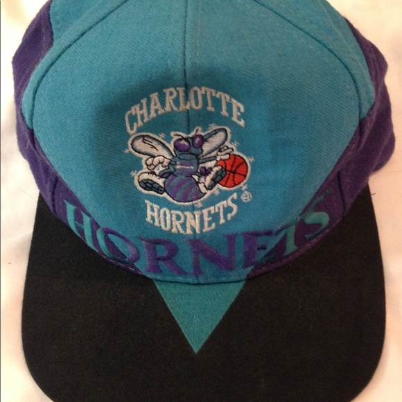 Vintage Charlotte Hornets Snapback Hat. M 5ac4f9073a112ed7ce51435c 785ade8739d